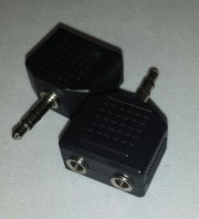 Adapter 2.5mm male stereo - 2 x 3.5mm female stereo