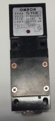 Proximity switch Omron TL-YS10 - 220VAC Load 10-700mA max.