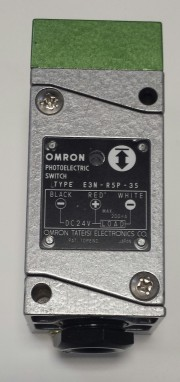 Photoelectric switch EN3-R5P- - Omron EN3-R5P-35 24VDC Load 10-200mA max.